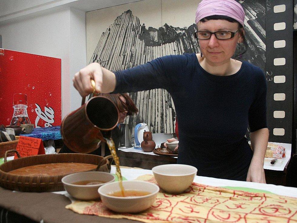 Návštěvníci měli možnost ochutnat arabskou specialitu kuskus a čaje z různých koutů světa.