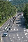 Dvě stovky motorkářů dorazili do Sosnové za doprovodu policejních hlídek.
