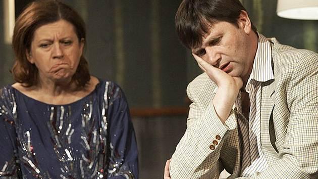 Zuzana Kronerová a Jan Hrušínský v minulosti v hlavních rolích hry Sklenka Sherry.