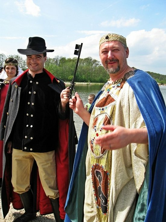 Zahájení sezony 2010na Máchově jezeře.