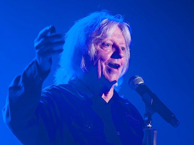 Václav Neckář nedávno koncertoval v českolipském Jiráskově divadle.