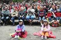 Překonat rekord v návštěvnosti by chtěli organizátoři benefičního divadelního představení ve sloupském Lesním divadle.