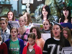 Dvaadvacet skladeb nahrál českolipský sbor během dvou dnů v kravařském kostele.