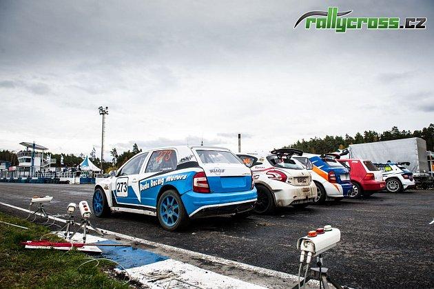 Na autodromu vSosnové uČeské Lípy se ovíkendu rozdělovaly poslední body do šampionátu snázvem Rallycross Cup.