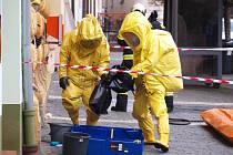 Na místě zasahovali profesionální a dobrovolní hasiči z České Lípy a speciální protichemická jednotka z Liberce.