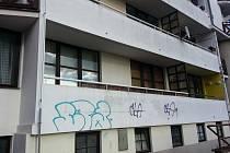 Velké rozčarování prožili obyvatelé domu v ulici Komenského v České Lípě. Policie jejich sousedovi zabavila tři zbraně. Dvě byly napěchované ostrými náboji.