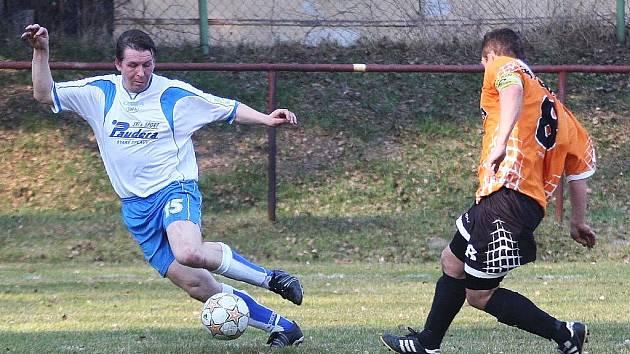 Po prohraném derby s týmem Bukovan budou Staré Splavy v sobotu usilovat o první jarní body v utkání proti Rynolticím.