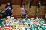 Během letošních prázdnin se v Městském muzeu v Mimoni koná výstava Svět kostiček.