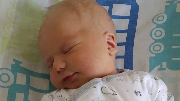 Rodičům Veronice a Rudolfovi se v sobotu 14. listopadu v 7:08 hodin narodil syn Mikuláš Kupčík. Měřil 49 cm a vážil 3,35 kg.