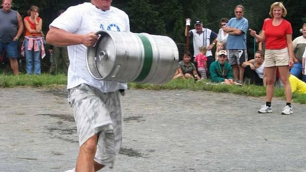 Pivní zápolení v Nedamově