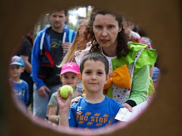 Dnešní Mezinárodní den dětí oslavili ti nejmenší obyvatelé Českolipska na řadě míst už o uplynulém víkendu, například v Dubé, Stráži pod Ralskem a ve Sloupu.