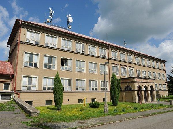 Škola vHorní Polici letos slaví 60.výročí svého otevření.