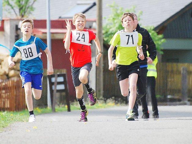 Běžecká liga na Českolipsku se stává prestižním sportovním podnikem pro všechny věkové kategorie.