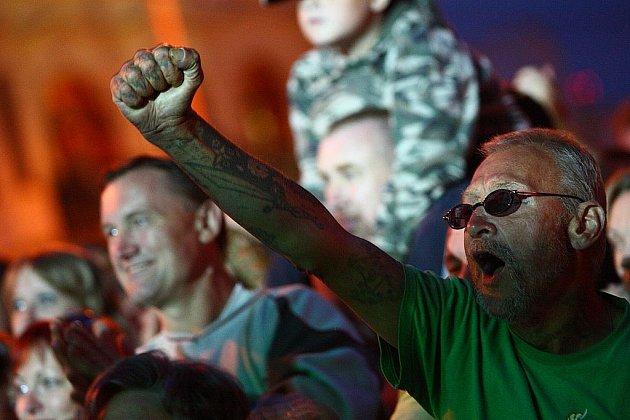 Lidovky v rockovém hávu v podání Čechomoru přilákaly stovky lidí.