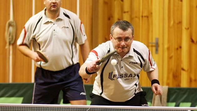 Radek Ivan (na síti) s Tomášem Fraňkem.