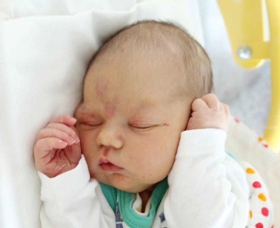 Rodičům Romaně Hubálkové Bártové a Petru Hubálkovi z Volfartic se v sobotu 10. srpna v 7:49 hodin narodila dcera Zuzana Hubálková. Měřila 50 cm a vážila 3,74 kg. Doma se na ni těšili bráška Petr a sestřička Romana.