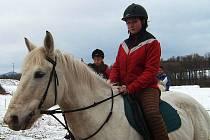 Štěpánka Šimková. O koně je potřeba se starat v každém ročním období.