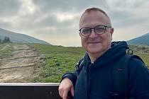 Ilustrátor Tomáš Řízek je předsedou Sdružení na záchranu kopce Tlustec