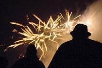 Novoroční ohňostroj v Doksech.