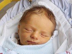Rodičům Martině Červené a Radku Suskemu ze Stráže pod Ralskem se v úterý 4. prosince v 7:40 hodin narodil syn Filip Suske. Měřil 49 cm a vážil 3 kg.