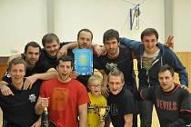 Vítězné mužstvo Medvědi Severu.