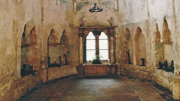 Kaple na hradě Houska - původní stav.