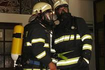 Snímek z loňského cvičení hasičů v Novém Boru.