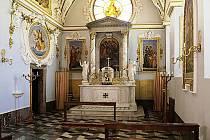 Zámecká kaple sv. Františka z Assisi v Zákupech.