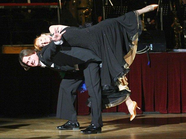 Finalistka ze Stardance - tanečnice Tereza Bufková zasedne v porotě Mimoňského střevíčku. V televizní soutěži tančila s hokejistou Martinem Procházkou.