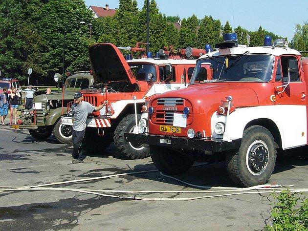 Z polské strany byl zájem také o činnost dubských dobrovolných hasičů či myslivců.