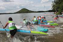 O víkendu 30. a 31. května se v kempu Borný na břehu Máchova jezera uskuteční pokračování Českého poháru v paddleboardingu s názvem Paddle Fest Mácháč.