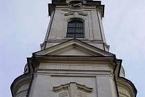 Kostel Nanebevzetí Panny Marie. Fotografovali studenti gymnázia, kreslili pak studenti sklářské školy.