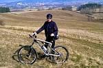 Zloděj připravil muže o horské kolo za 36 000 korun.