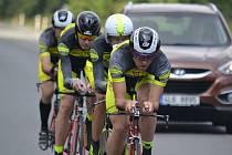Jedoucí tým pražského Dexter cycling.