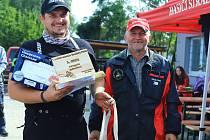 Strážský pilčík. Za tímto názvem se skrývá dřevorubecká soutěž, kterou už podruhé uspořádali dobrovolní hasiči ze Stráže pod Ralskem.