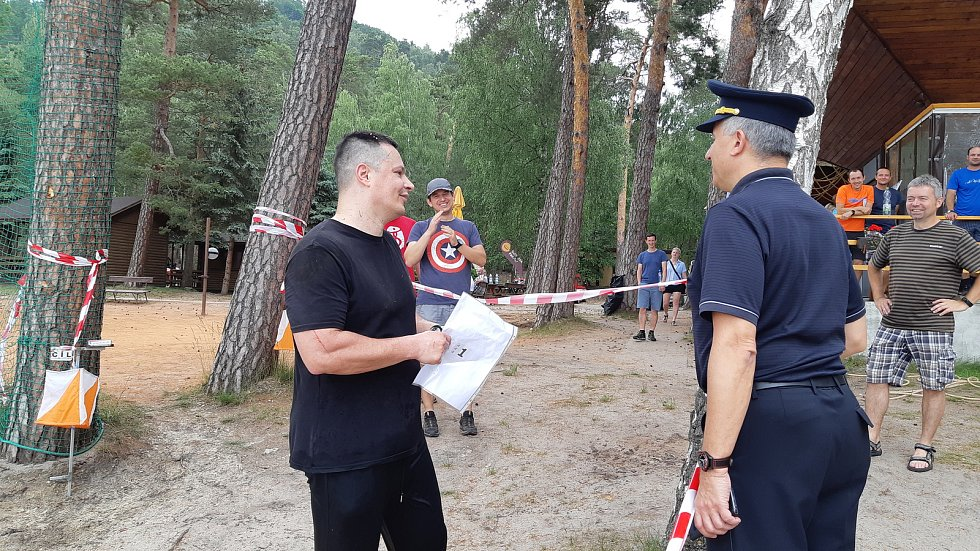 Po čtyřech letech se v romantickém kraji kolem Máchova jezera konal ve dnech 5. až 6. června XIX. ročník otevřeného mistrovství ČR v orientačním běhu.