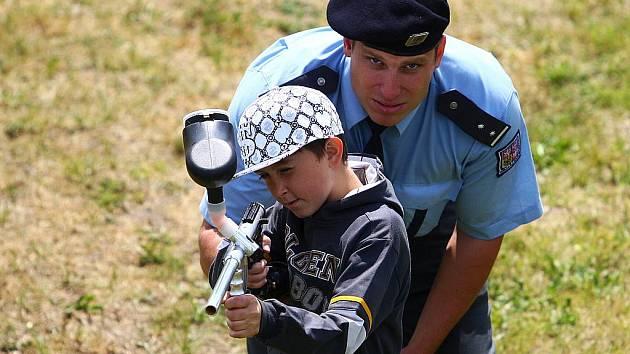 Dni s policií a ostatními složkami IZS, který proběhl v roce 2011 na autodromu v Sosnové.
