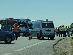 Při dopravní nehodě na silnici I/9 u Sosnové zahynul na začátku července šedesátiletý řidič osobního auta.