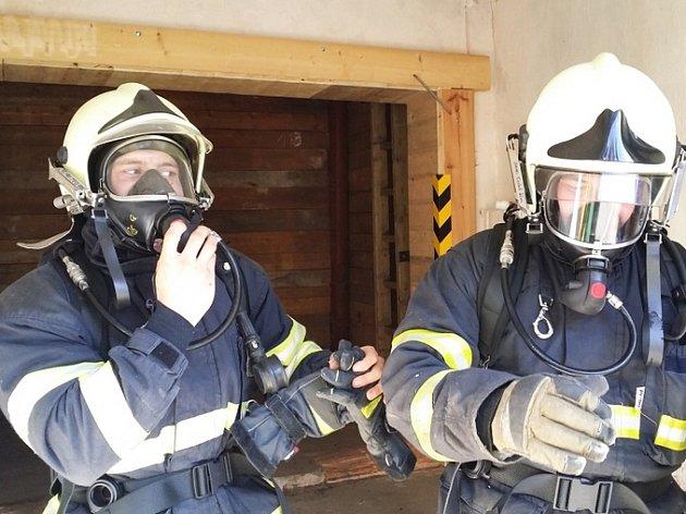 Jednotky dobrovolných hasičů absolvovaly výcvik v polygonu v Hamru na Jezeře.