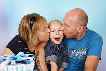 Matýsek s maminkou a náhradním tatínkem Liborem.