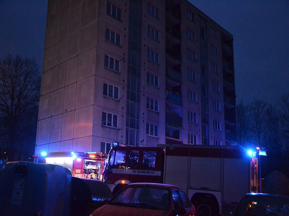 Požár plynové kotelny panelového domu v České Lípě vypukl v sobotu 2. prosince.