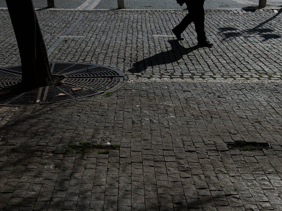 Pátrání po telefonních budkách v České Lípě dopadlo neúspěšně. Všechny už zmizely. Pozůstatky na náměstí T. G. Masaryka.