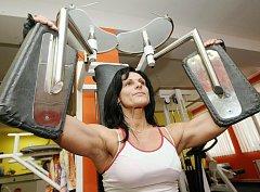 Kateřina Petřinová nepatří k těm, kdo by potřeboval po svátcích speciální tréninky. Chodí totiž cvičit do fitcentra pravidelně, a to i mezi vánočními svátky.