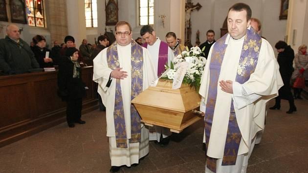 Rozloučení s Janem Nepomukem Jiřištěm se konalo také v Turnově, kde se narodil.