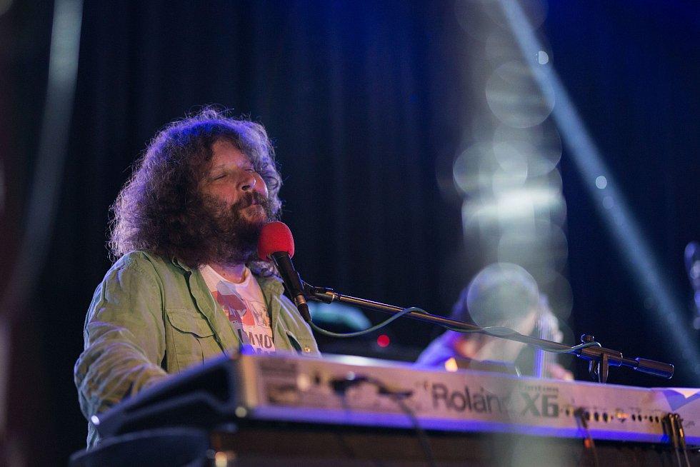 Českolipský Kulturní důmCrystal hostil koncert funkové legendy české hudební scény kapely J.A.R.