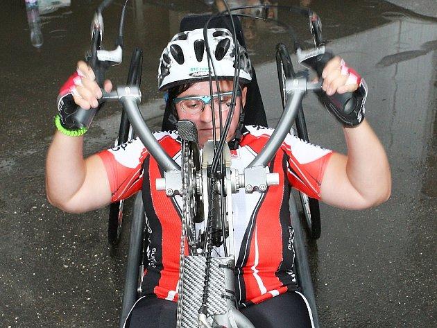 Jedním z kontrolních bodů maratonu, kterým loni Petra Hurtová projížděla, byla nemocnice v Brně.