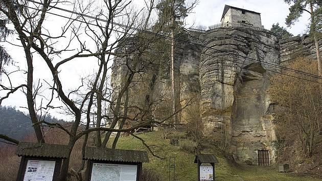 Skalní hrad ve Sloupu v Čechách.