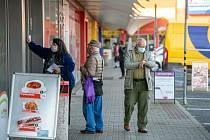 Otevření obchodů 18.listopadu 2020 s omezením počtu zákazníků na jednoho na 15 m² v České Lípě.