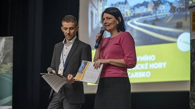 Pomáhat si vzájemnou propagací i propojenými službami turistům chtějí dvě sousedící turistické destinace – Lužické a Žitavské hory a České Švýcarsko.