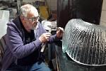 Sklářské muzeum v Novém Boru připravilo výstavu sklářského umělce Vladimíra Kleina, lidé tam ale kvůli vládním opatřením nesmí.
